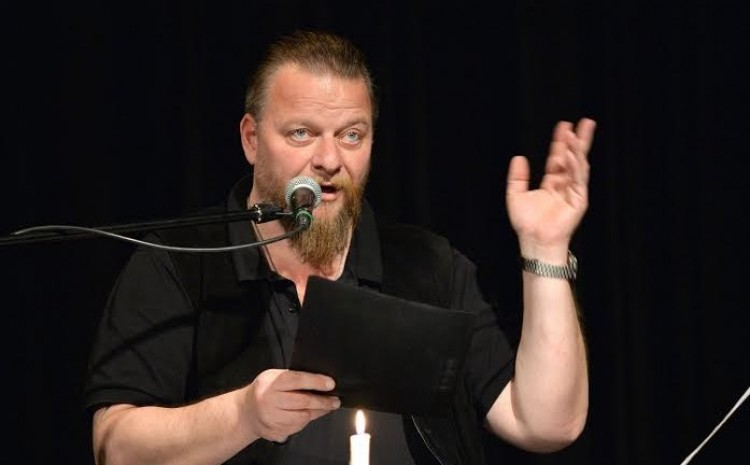 Wass Albert kultuszát az Ismerős Arcok zenésíti meg Debrecenben