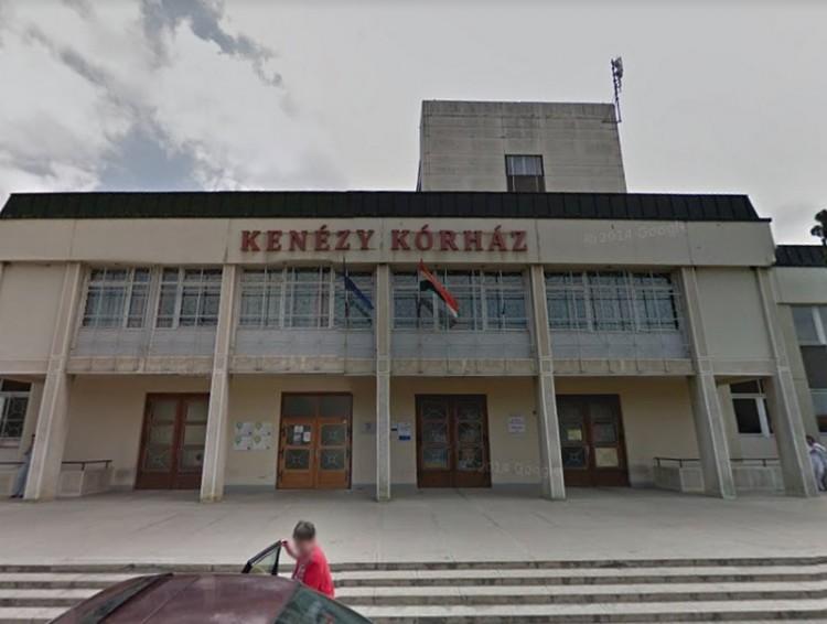 Tűz ütött ki a Kenézyben, 41 embert menekítettek ki