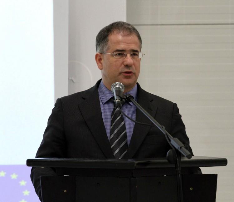Kósa Lajos szélhámosságnak nevezte a 4,3 milliárd eurós sztorit