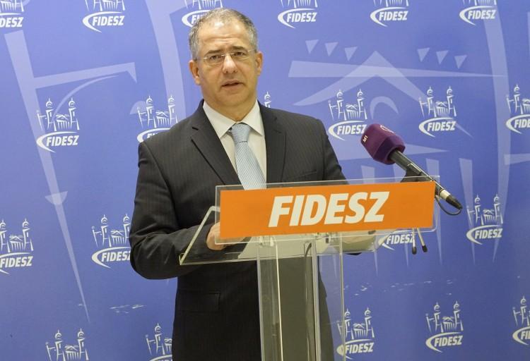 A Magyar Nemzet újabb részleteket közölt Kósa-ügyben, az érintett cég cáfol