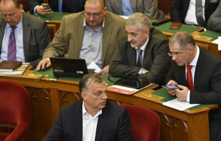 Debreceniek a Fidesz-listán: kinek jut továbbra is hely a húsosfazék mellett?