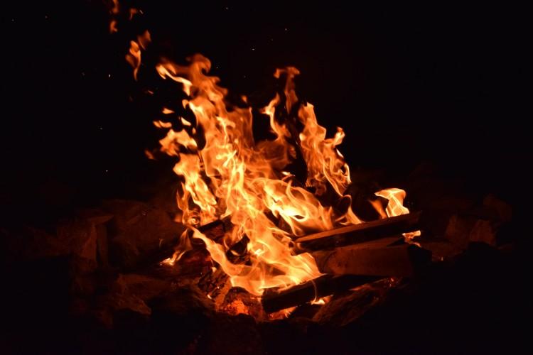 Debreceni bolt pincéjében csaptak fel a lángok