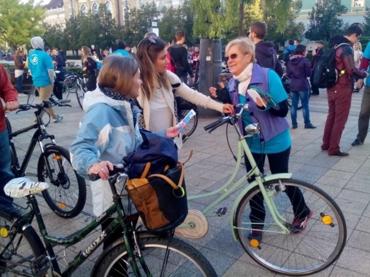 A bringásoknak ingyen jár reggeli, mert ők nem füstölik tele a várost