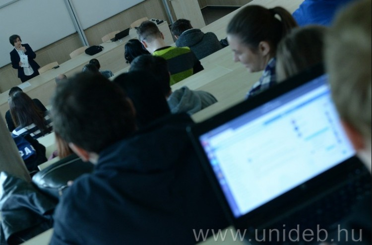 Páratlan lehetőség a debreceni egyetemistáknak