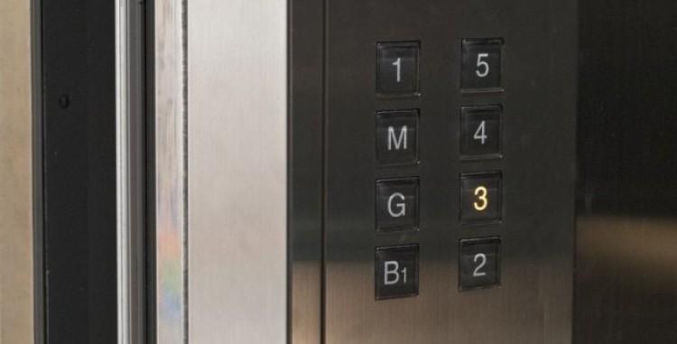 Riadalom egy debreceni liftben