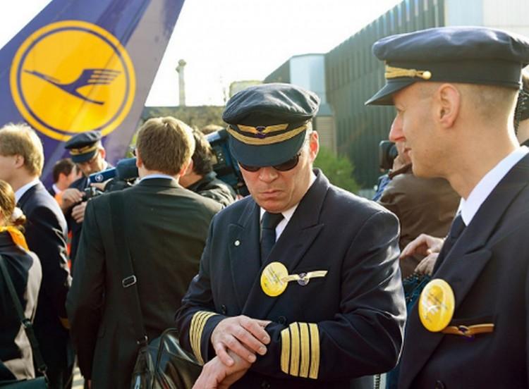 Járatok százait törölte a Lufthansa