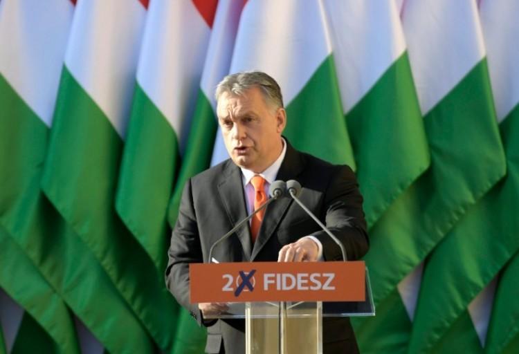Orbán Viktor elérzékenyülve köszönte meg