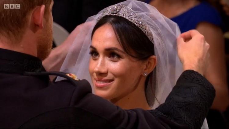 Kimondták! Harry és Meghan férj és feleség!