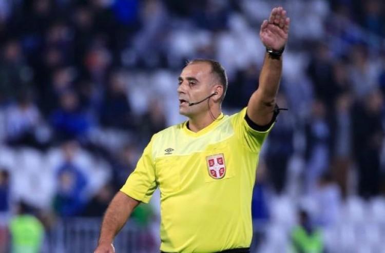 A rendőrség vitte el a focibírót egy kamutizenegyes miatt