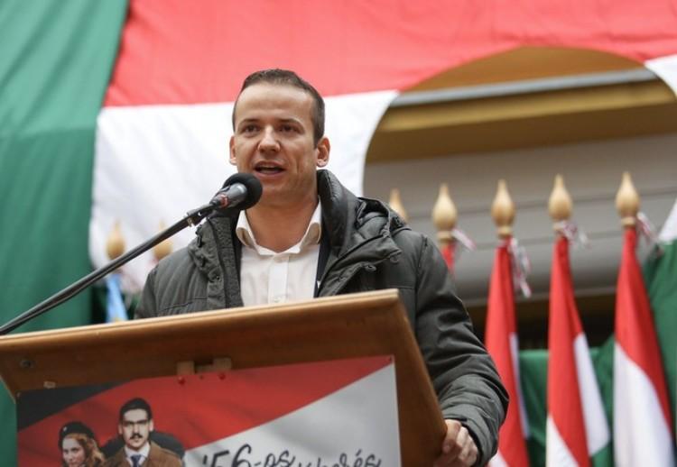 Érik a Jobbik szakadása: nem kell a néppárti vonal