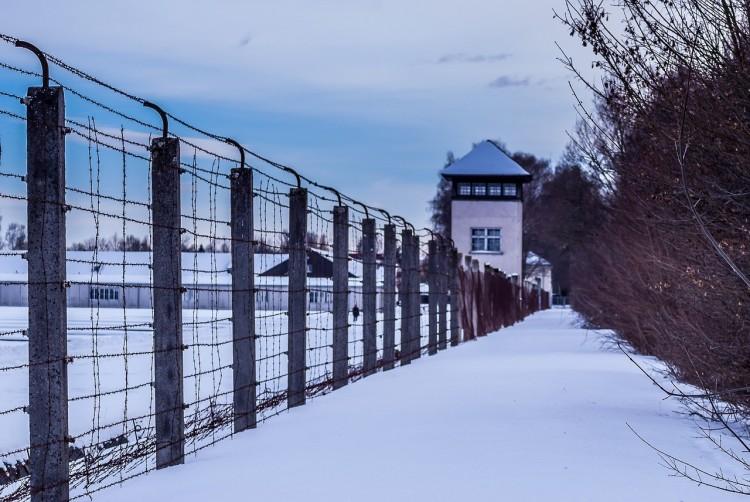 A holokausztról kommentelt, vád alá helyezték