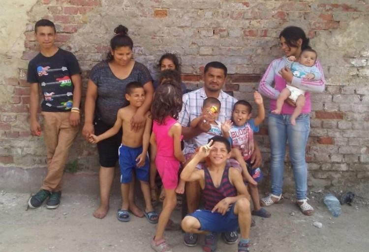 Két éve maradt félárván 9 gyerek Hajdúdorogon. Hogy vannak?