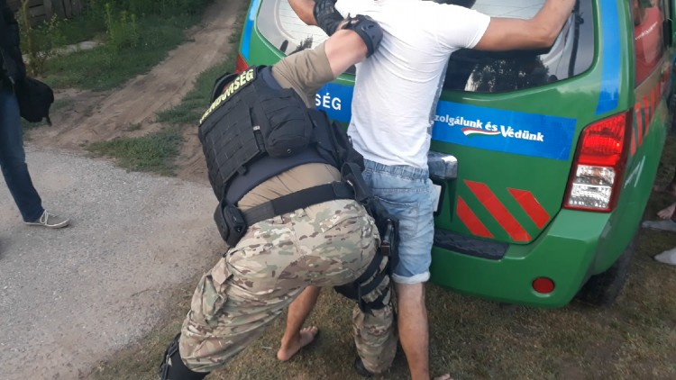 Testvérek raboltak ki egy 80 éves nőt Debrecenben