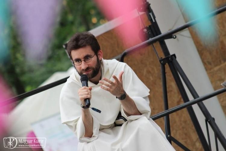 A debreceni pap beszól Tibi atyának