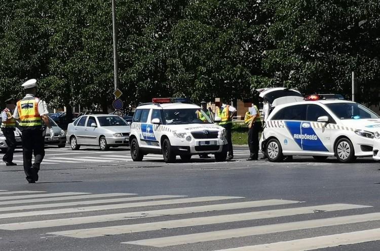 Rendőrök is megsérülhettek Debrecenben