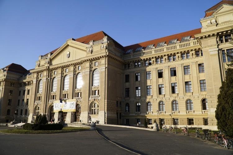 Van Debrecenben tanárszak, ahova 495 pont kellett