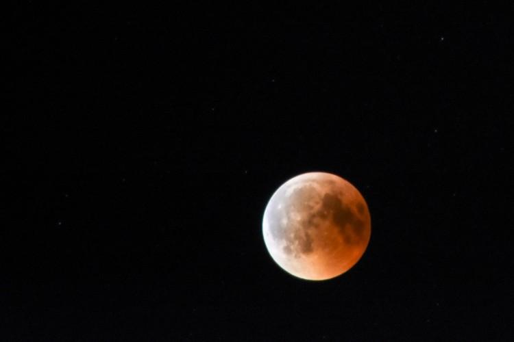Így fogyott el a Hold Debrecen felett