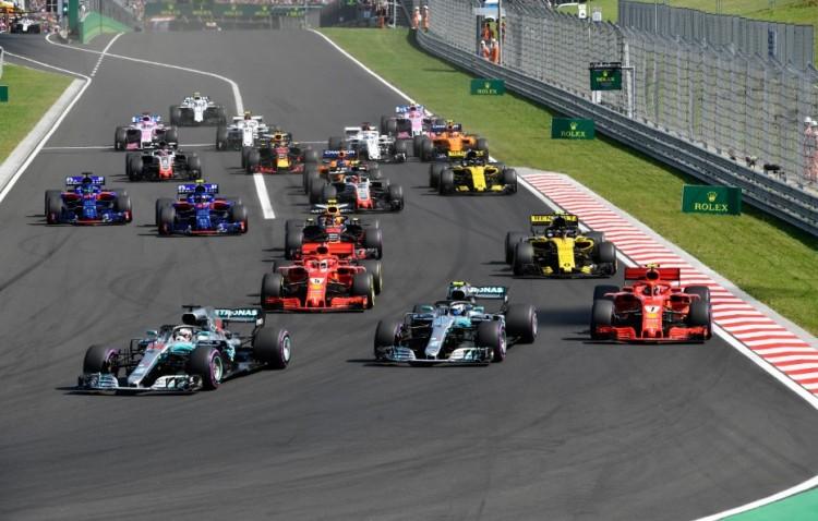 Hamilton nyerte a Magyar Nagydíjat