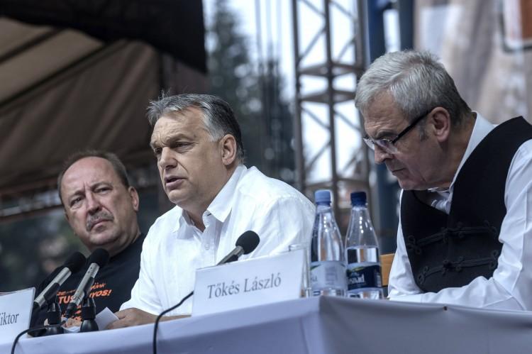 Orbán szerint újra kell építeni a Kárpát-medencét