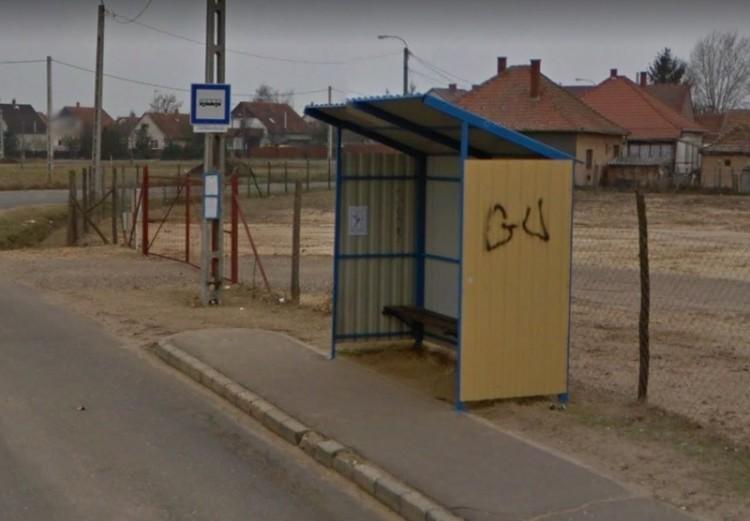 Költözik 110 métert a debreceni buszmegálló