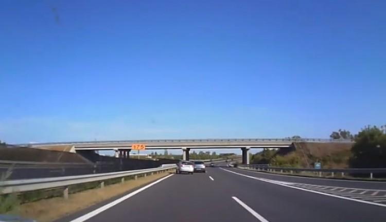 Hajmeresztő manőver az M3-ason Polgárnál + Videó!