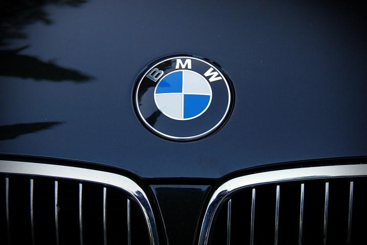 Elkezdődött az odamondogatás a BMW miatt