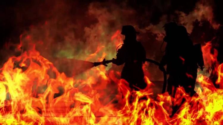 Kamion, avar és trágya is lángolt a megye útjain