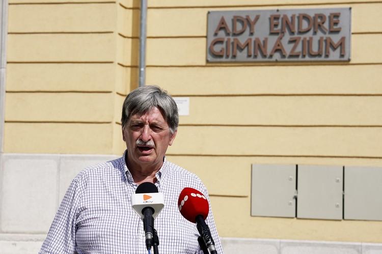 A volt debreceni iskolaigazgató sem ért egyet Türk László kinevezésével
