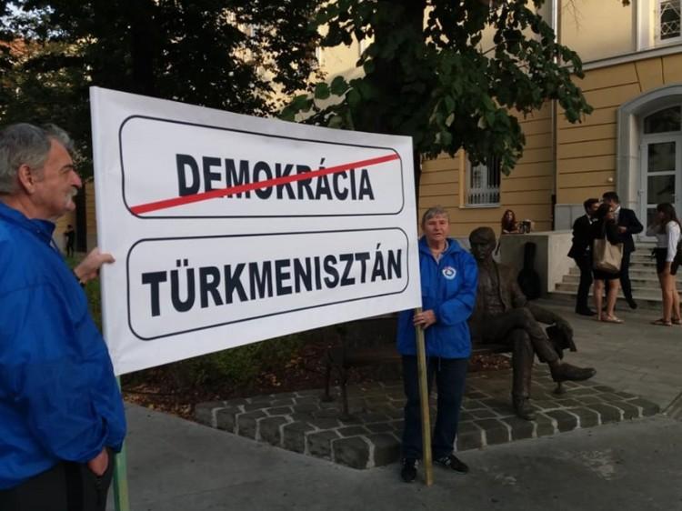 Súlyos tévedés az, hogy Debrecen Türkmenisztán