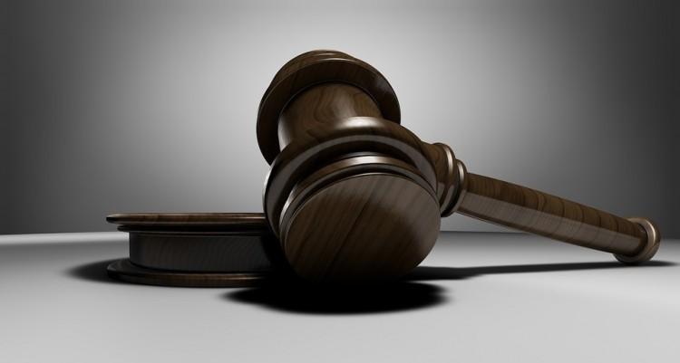Hamis vád miatt ítélték el