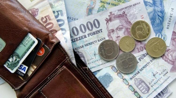 A magyarok kétharmada átlagbér alatti jövedelmet kap