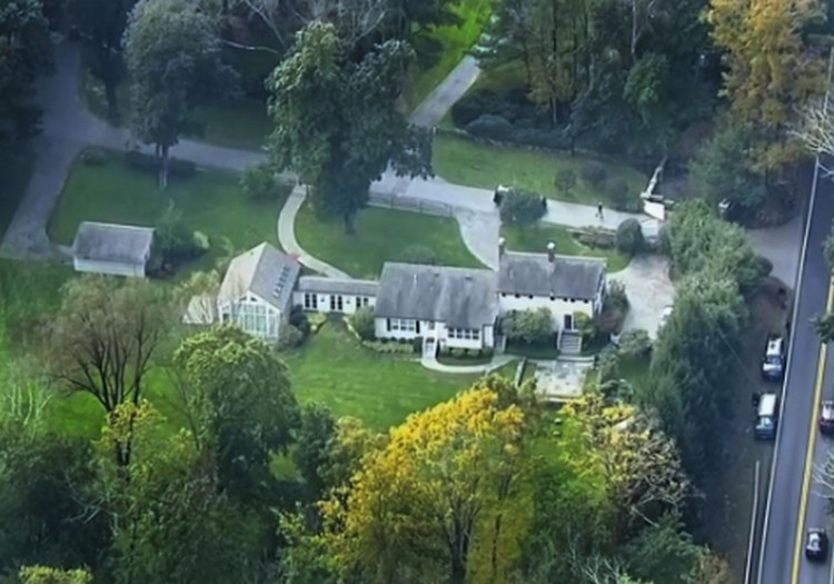 Bombát találtak Soros György házánál