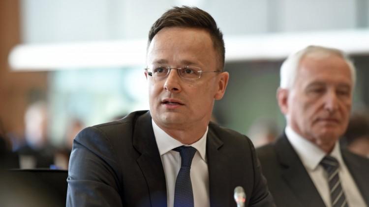 Halállistára tették a magyar külügyminiszert