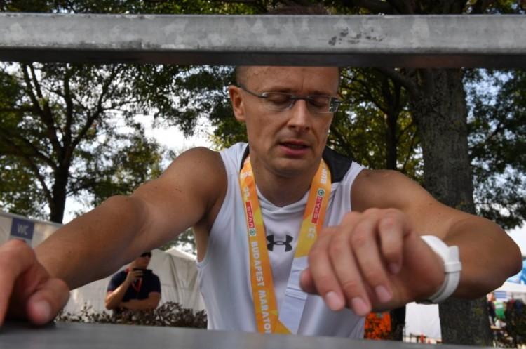 A külügyminiszter is lefutotta a maratont