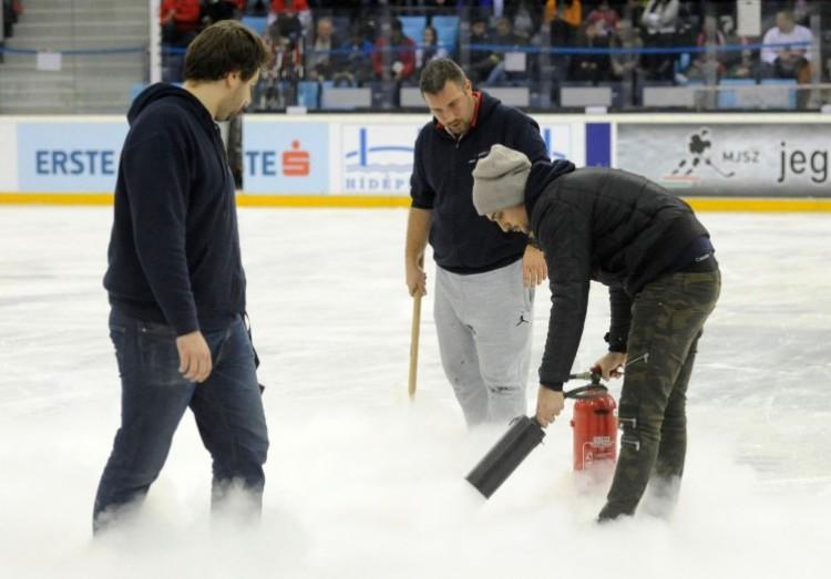Elmarad a válogatottak meccse. A jég miatt!