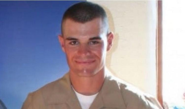 Kaliforniai ámokfutás: egy volt katona lőtte halomra a fiatalokat