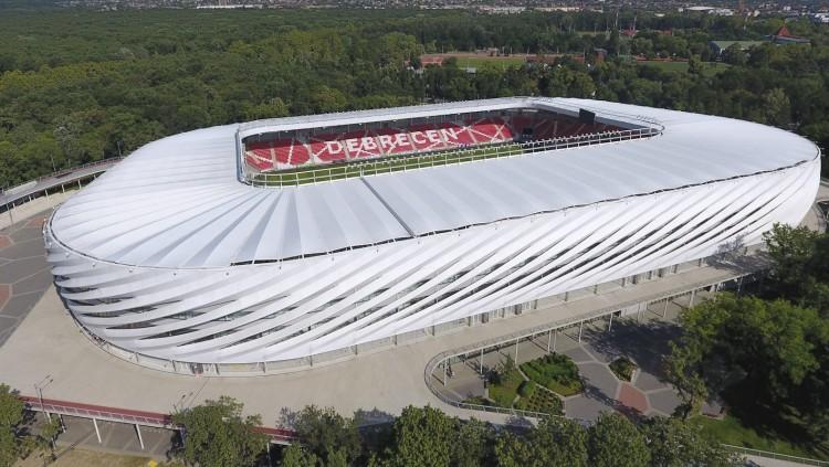Van, aki nagyra értékeli a magyar stadionépítéseket