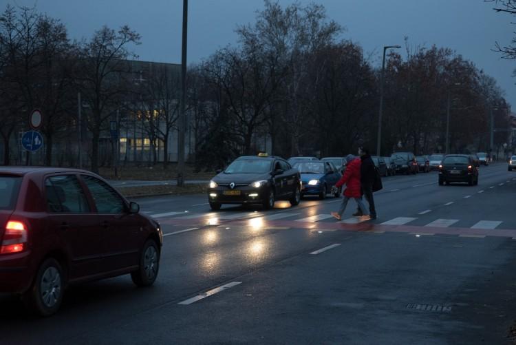 Így válik biztonságosabbá a gyalogosoknak Debrecen