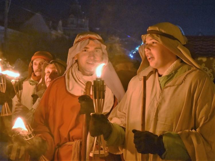 Sokan követték az első adventi lángot Debrecenben – FOTÓGALÉRIA