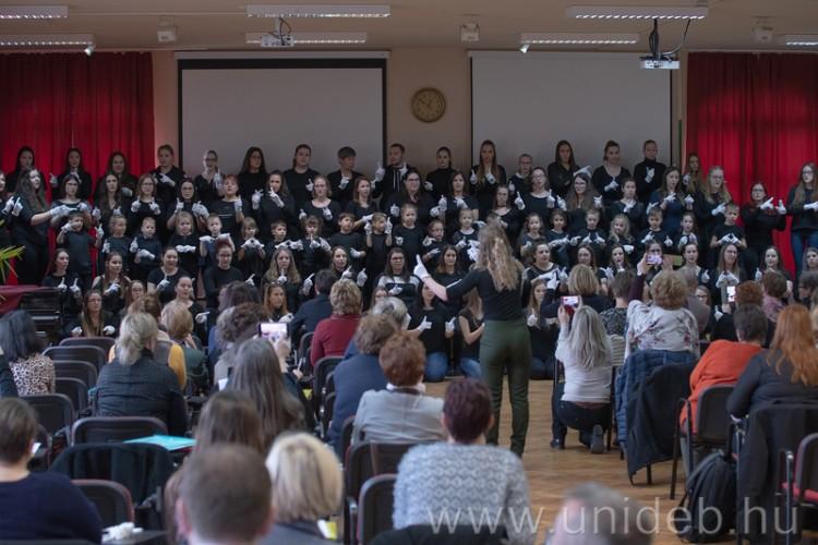 A Debreceni Egyetem figyel a különleges gyerekekre is