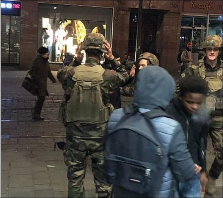 Terrortámadás Strasbourgban, több halott – frissítve