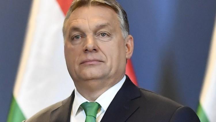 Orbán levelet és csekket küld