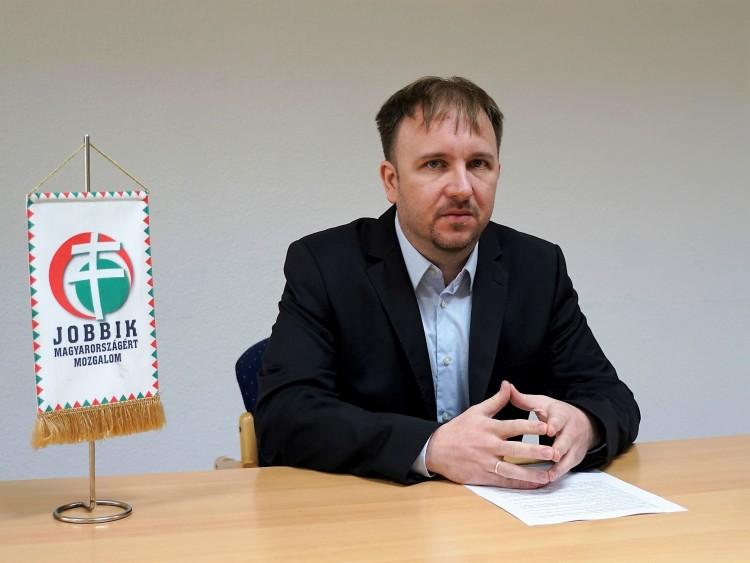 Csalódott a debreceni Jobbik a főpályaudvar miatt