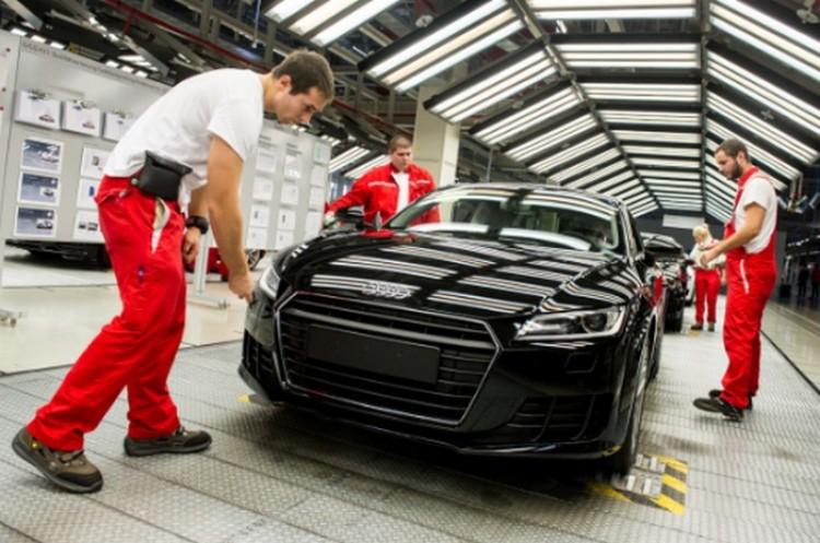 Audi-sztrájk: Debrecenre és a BMW-re is készülnek
