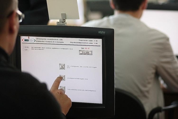 Újabb nagy változás a magyar jogosítványoknál