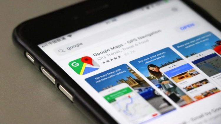 A Waze népszerű funkciójával újított a Google Térkép