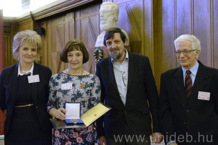 Debrecenben díjazták a kiváló pedagógusokat