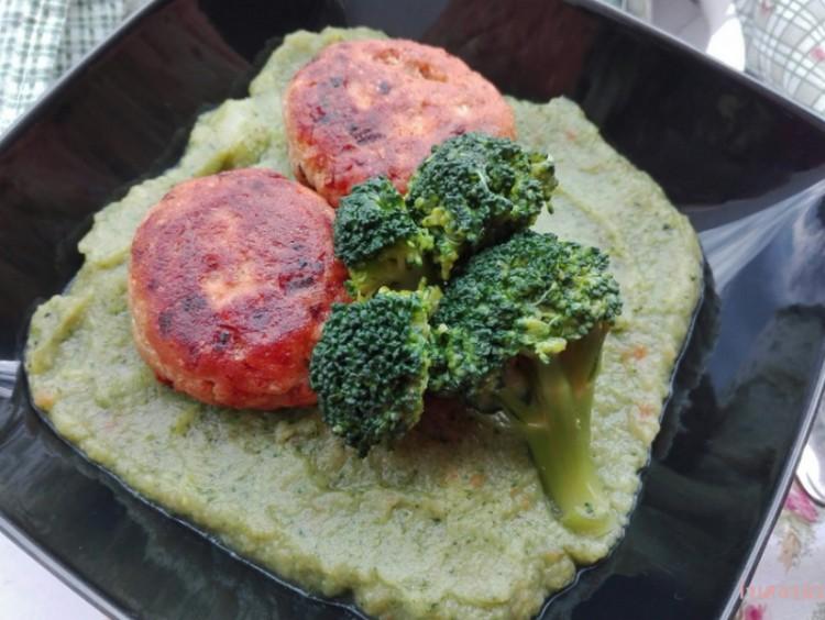 Recept: brokkolipüré vegán fasírttal