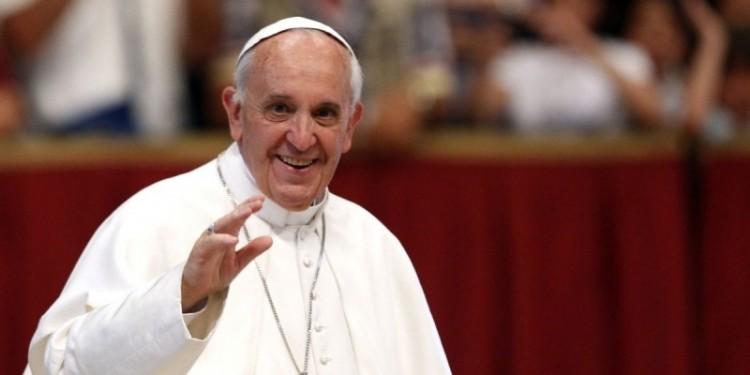 Ferenc pápa elleni merénylettel fenyegetőzött egy férfi