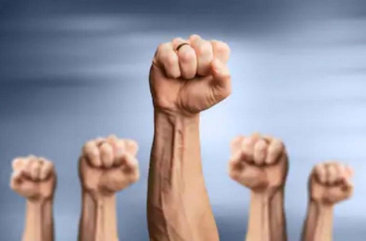 Haragos közszolgák: felvonulást szerveznek